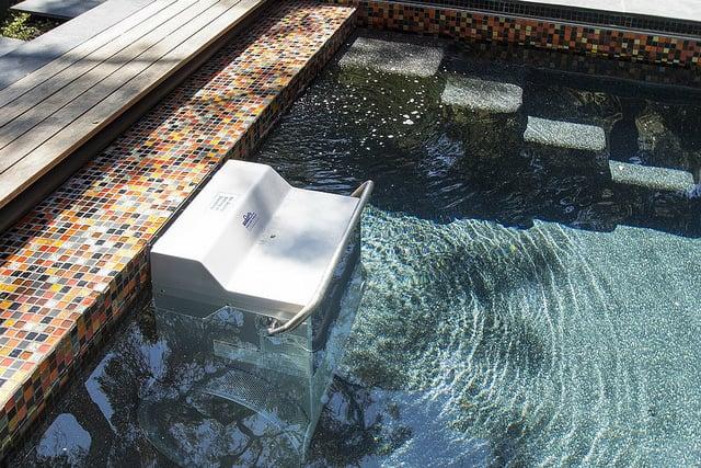 swimmingpool-mit-gegenstromanlage