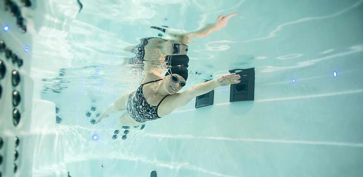 swimming-pool-schwimmen-whirlpool-center