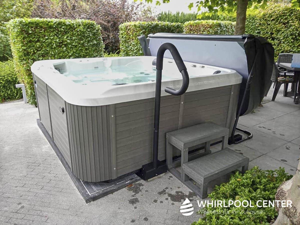 Whirlpool Center Referenzen Outdoor in Verwendung