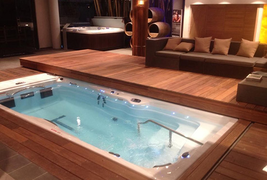 Swim spa referenzen entdecken whirlpool center for Swimmingpool abverkauf